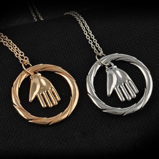 Divergence náhrdelník frakce Odevzdanost (symbol ruky)