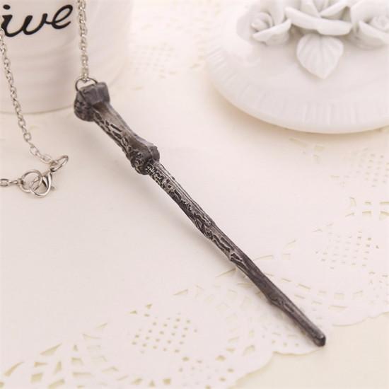 Harry Potter: hůlka Harryho Potter (řetízek)